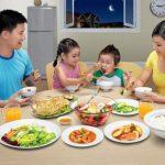 Giáo dục trong bữa ăn của trẻ